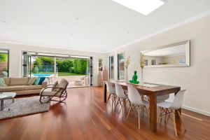 Holiday Accommodation Sydney Northern Beaches Curl Curl