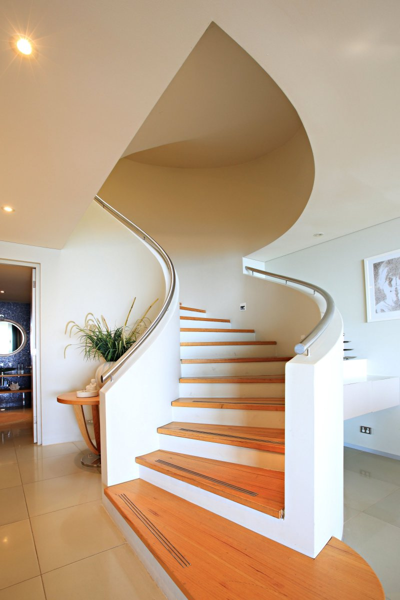 Paradiso Dee Why Holiday House Sydney Stairwell