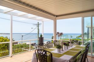 Beachside Holiday Home with water views Dee Why Sydney Northern Beaches