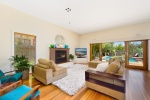 Sydney Beach Holiday House Lounge Room