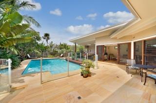 Sydney Beach Holiday House Pool Area
