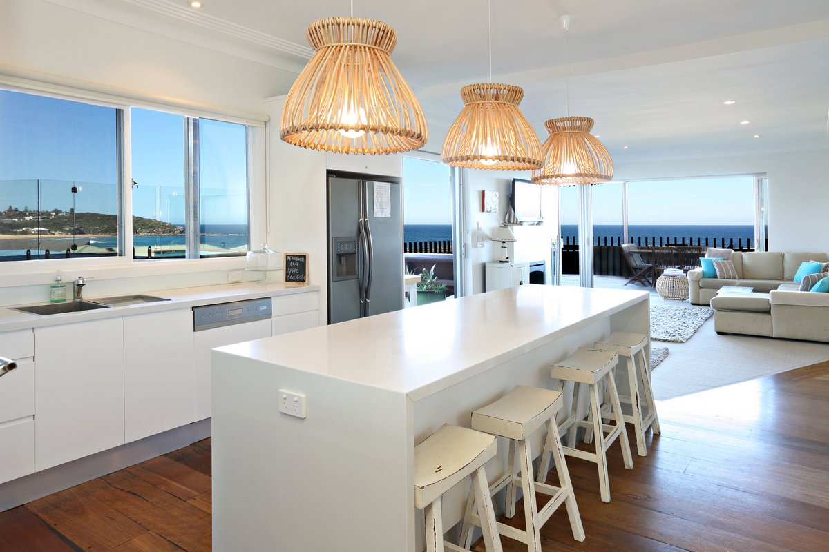 Holiday House to Rent Freshwater Northern Beaches Kitchen
