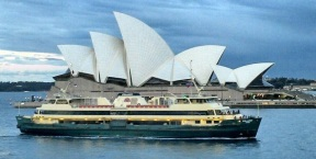 Manly Ferry at Opera House