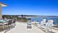 Outdoor entertaining deck penthouse for holidays sydney beaches