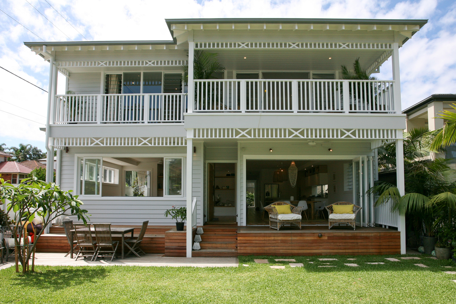 Hamptons style beach house sydney australia beach living for Beach house designs sydney