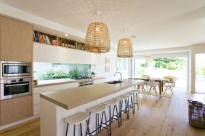Modern Beach holiday house kitchen sydney
