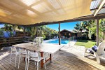 Vacation Home at Sydney Beach with outdoor entertaining area
