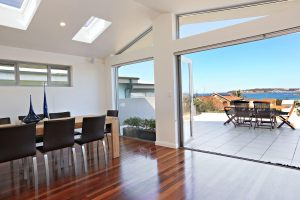 5 star Holiday Home Curl Curl Beach Sydney