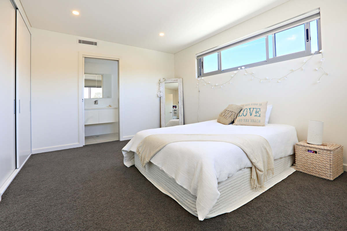 Bedroom Modern Holiday House Dee Why Beach Sydney